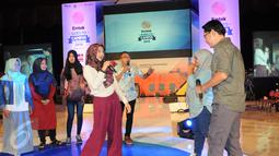 Pemain PPT,  Agus Kuncoro, Jarwo Kwat dan Artta Ivano beradu akting dengan peserta EGTC 2016  di Yogyakarta, Kamis (3/11). EGTC 2016 diramaikan oleh tokoh dan artis untuk memperkenalkan cara berakting di sebuah film. (Liputan6.com/Helmi Affandi)