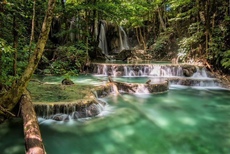 Air Terjun Mata Jitu, Pulau Moyo, Sumbawa, Nusa Tenggara Barat. (Sumber Foto: tamariskrtw.com)