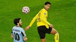 1. Jude Bellingham (Borussia Dortmund) - Gelandang berusia 17 tahun ini merupakan pemain yang baru membela Die Borussen musim ini. Pemain asal Inggris itu kini memiliki harga sebesar 27 juta euro atau setara dengan Rp461 miliar. (Bernd Thissen/Pool/AFP)