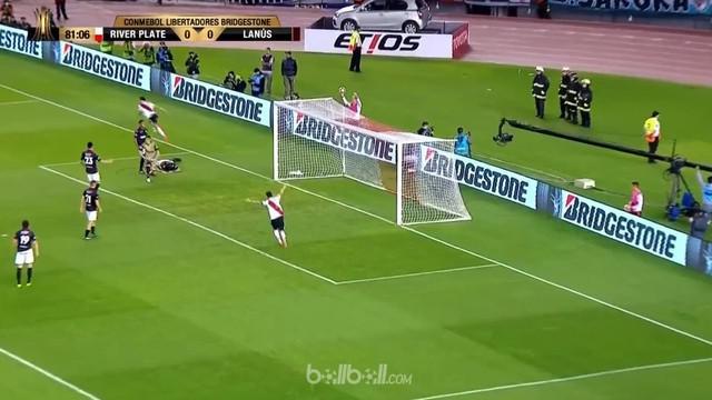 Berita video highlights leg I semifinal Copa Libertadores 2017, River Plate melawan Lanus dengan skor 1-0. This video presented by BallBall.