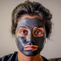 Ilustrasi Skincare | unsplash.com/@chrisknight