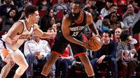 James Harden mencetak 27 poin, delapan assist, dan 10 rebounds, saat membantu Houston Rockets mengalahkan Phoenix Suns dengan skor 113-102. (Twitter/@HoustonRockets)