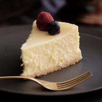 ilustrasi cheesecake/Photo by Tina Guina on Unsplash