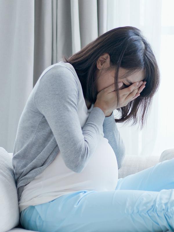 11 Dampak Buruk Merokok pada Perempuan
