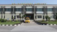 Bandara Adi Soemarmo, Solo, Jawa Tengah, untuk sementara ditutup pada Jumat (1/6/2018) mulai pukul 15.30 hingga 18.30 waktu setempat, karena terdampak sebaran hujan abu Gunung Merapi. (Liputan6.com/Fajar Abrori)