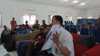 Rahmat memberi keterangan dalam pertemuan dengan aparatur wilayah Ujungberung
