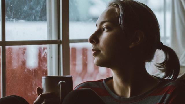 8 Cara Ini Patut Dicoba kalau Ingin Rasa Sayang Pacarmu Terjaga