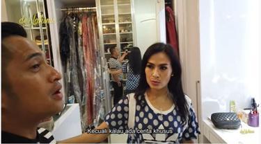Mengintip Walk In Closet Iis Dahlia yang Super Luas Meski Tersembunyi di Balik Lemari,
