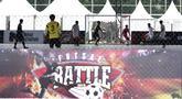 Suasana pertandingan Super Soccer Futsal Battle di Lapangan Blok S, Jakarta, Sabtu (15/9/2018). Sebanyak 32 tim yang berlaga di ajang ini merupakan tim yang lolos dari babak eliminasi di 10 tempat yang berbeda. (Bola.com/M Iqbal Ichsan)