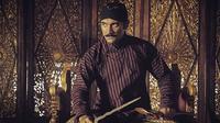 Film Sultan Agung yang diperankan Ario Bayu dan Adinia Wirasti dianggap kurang gencar melakukan promosi. (Instagram/@arioobayu)