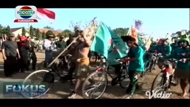 Banyak ragam ditampilkan masyarakat sebagai perwujudan cinta NKRI. Salah satunya oleh anggota komunitas ontelis, atau pecinta sepeda kuno di Gresik, Jawa Timur.