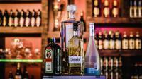 Ilustrasi alkohol. Foto (Isabella Mendes/Pexels).