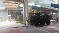 Barracuda berjaga di Bandara Kualanamu Medan jelang resepsi Kahiyang-Bobby.