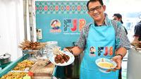 Yayat Supriatna, penerus usaha Sate Kuah Pak H. Diding Jakarta. (dok. panitia FJB 2019/Dinny Mutiah)