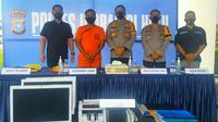 Konferensi pers penipuan Rp60 miliar oleh PNS di Polres Indragiri Hulu. (Liputan6.com/M Syukur)