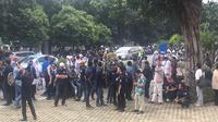 Massa pendukung Amien Rais di KPK (Liputan6.com/ Fachrur Rozie)
