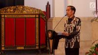 Presiden Joko Widodo atau Jokowi memberikan pengarahan dalam Rapat Koordinasi Nasional Pengendalian Kebakaran Hutan dan Lahan di Istana Negara, Jakarta, Selasa (6/8/2019). Jokowi menyampaikan tak mau kebakaran hutan dan lahan (karhutla) 2015 terulang kembali. (Liputan6.com/Angga Yuniar)