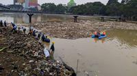 Sampah di Sungai Cisadane.