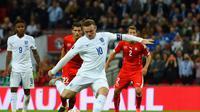 Bek Spanyol, Gerard Pique, menilai Wayne Rooney merupakan pemain terbaik yang dimiliki Inggris dalam sejarah.