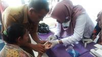 Belasan warga di Aceh diserang penyakit misterius. (Liputan6.com/Rino Abonita)