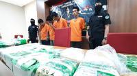 Direktorat Tindak Pidana Narkoba Bareskrim Polri membongkar sidikat narkoba sabu dari Malaysia yang dikirim dengan sampan. (Liputan6.com/Ady Anugrahadi)