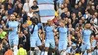 Kevin de Bruyne gemilang dengan satu gol dan asisst-nya. (AFP / Anthony Devlin)