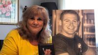 Anak Sandra Thompson, Clint yang berusia 29 tahun ketika itu tewas dalam ledakan bom di Bali tahun 2002. (ABC News: Victoria Ellis)