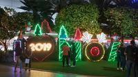 Suana Natal mulai menghiasi kota Manila, menjelang SEA Games 2019 tuntas. (Bola.com/Zulfirdaus Harahap)