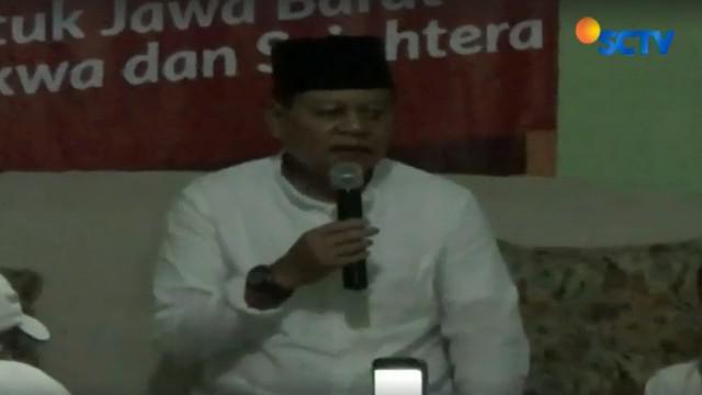 Di tempat berbeda, Cagub Jawa Barat, Sudrajat meresmikan posko pemenangan di Jalan Perkutut Tanah Sareal, Kota Bogor.