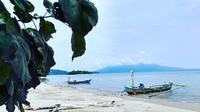 Pulau Sebesi, Lampung. (dok. Instagram @sandysetiawanss/https://www.instagram.com/p/BMaz4QejoZf/Asnida Riani)