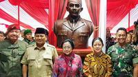 Prabowo Dampingi Megawati Resmikan Patung Sukarno di Magelang (Liputan6/Putu Merta)