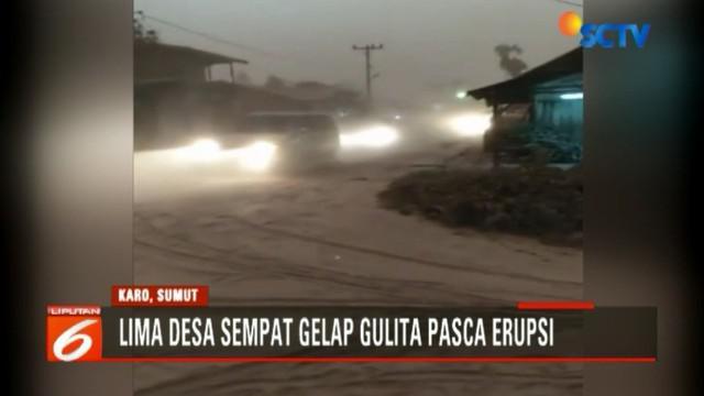Erupsi Gunung Sinabung membuat sebagian warga kembali meninggalkan desanya untuk mengungsi. Namun, sore tadi ada mereka yang kembali ke rumah untuk membersihkan lahan pertanian.