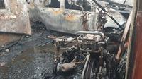Kondisi rumah di Blok B Perumahan Bumi Permai Sentosa, Legok, Kabupaten Tangerang yang terbakar dan tewaskan 1 keluarga. (Liputan6.com/Pramita Tristiawati)