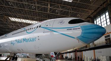 Garuda Indonesia meluncurkan livery khusus yang menampilkan visual masker pada bagian depan (hidung) pesawat Airbus A330-900 Neo yang merupakan livery masker pesawat pertama yang ada di Indonesia.
