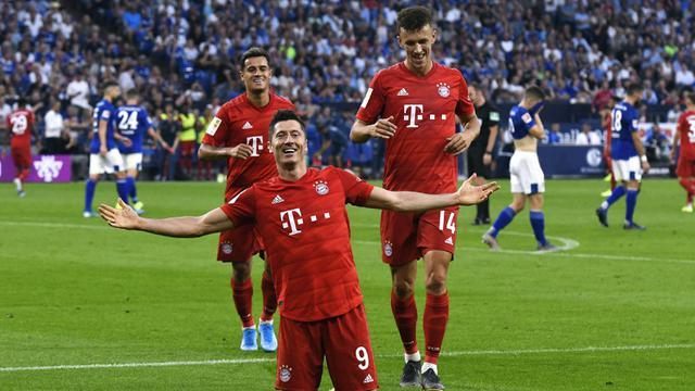 FOTO: Hattrick Robert Lewandowski Antar Munchen Bungkan Schalke