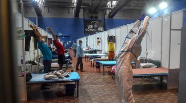 Yoga di Dalam Bangsal Perawatan COVID-19