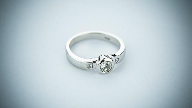 Ilustrasi cincin pertunangan. (Sumber Pixabay)