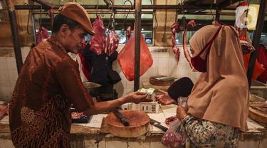 FOTO: Mendekati Lebaran, Harga Daging Mulai Merangkak Naik