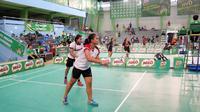 Duel semifinal ganda putri di Sirnas Milo School Competition di GOR Hassanudin (istimewa)