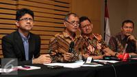 Ketua KPK Agus Rahardjo memberikan keterangan mengenai OTT terkait dugaan suap Kejaksaan Tinggi DKI Jakarta di Gedung KPK, Jumat (1/4). Dalam OTT itu KPK berhasil menangkap 2 orang dari PT Brantas dan satu orang pihak swasta. (Liputan6.com/Faizal Fanani)