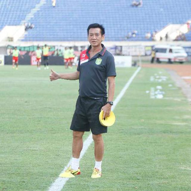 Asisten Pelatih Borneo Fc Jadi Dokter Mandiri Saat Kena Tifus