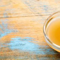 Simak di sini beberapa perawatan kecantikan yang bisa Anda lakukan dari cuka apel. Penasaran? Sumber foto: SheKnows.