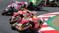 CEO Dorna, Carmelo Ezpeleta, menilai balapan MotoGP Catalunya terancam tak lagi digelar jika daerah tersebut berpisah dari Spanyol. (dok. MotoGP)
