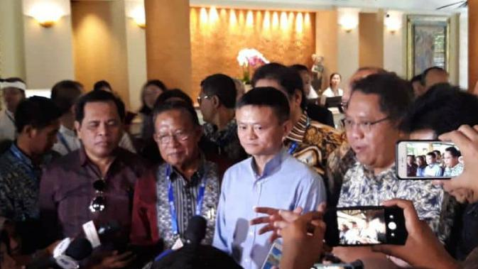 Pertemuan Steering Committee e-Commerce Indonesia dengan Jack Ma, selaku Penasihat e-Commerce Indonesia dan tim di sela-sela World Bank dan IMF Annual Meeting di Bali. Dok: KBRI Beijing
