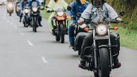 Di sela kesibukannya sebagai aktris, Phia selalu mempunyai waktu untuk touring motor bersama teman-temannya. Ia pun sering membagikan momen touring motornya di akun media sosial pribadinya. (Liputan6.com/IG/@prisia)