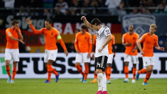 Timnas Belanda mengalahkan Jerman dengan skor 4-2.