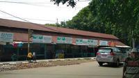 Warung Teh Poci di kawasan Pasar Kasepuhan Cirebon dulu menjadi salah satu tempat tongkrongan hits mulai dari warga biasa hingga pejabat teras dan artis nasional saat itu. Foto (Liputan6.com / Panji Prayitno)