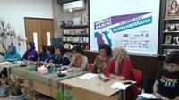 Konferensi pers Women's March Jakarta 2018 diselenggarakan di Kantor Komnas Perempuan di Jakarta, Kamis (1/3/2018). Dalam tuntutannya, para aktivis menuntut hak untuk perlindungan perempuan dan kaum marginal lainnya.