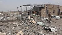 Tentara yang selamat dari serangan itu mengatakan sebuah hanggar dihantam oleh rudal dan pesawat tak berawak yang sarat bom (Sumber: AFP)