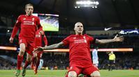 Martin Skrtel memastikan kemenangan 4-1 Liverpool atas Manchester City dalam laga pekan ke-13 Premier League yang berlangsung di Etihad Stadium, Minggu (22/11/2015) dini hari WIB. (Reuters / Carl Recine Livepic)